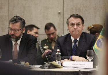 Bolsonaro diz que a responsabilidade da reforma está com o Parlamento
