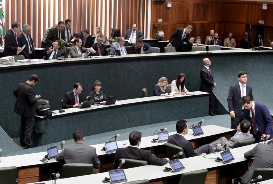 CPI da Enel é instaurada na Assembleia Legislativa de Goiás