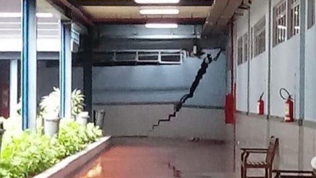 Grande rachadura em parede de universidade faz aulas serem suspensas, em Goiânia