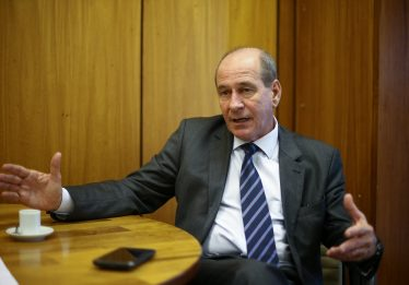 Ministro da Defesa rechaça termo 'comemoração' para dia do golpe de 1964