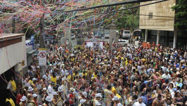 Aeroportos do Rio devem receber 560 mil turistas no carnaval