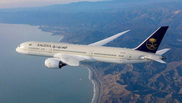 Avião precisa retornar para aeroporto após mãe dizer que esqueceu bebê na sala de embarque