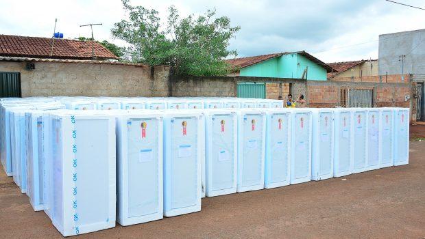 Enel realiza a troca de mais de 100 geladeiras em Luziânia