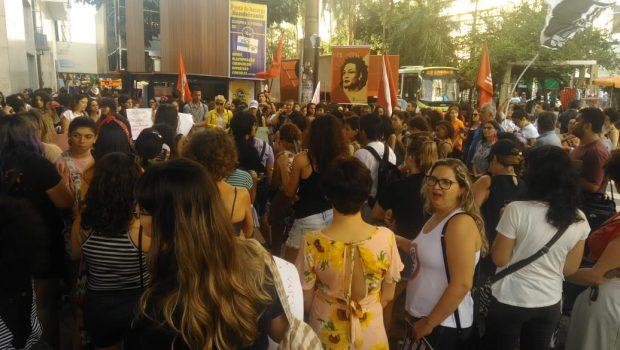 8M reúne mulheres no Centro de Goiânia