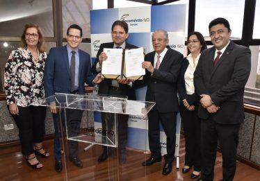 Fecomércio e Prefeitura de Goiânia fazem parceria em projeto educacional