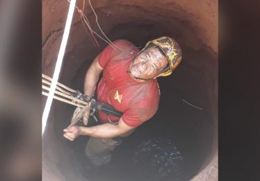 Homem cai em cisterna ao tentar capturar galinha em Santa Helena de Goiás