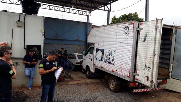 Procon e Decon apreendem 120 quilos de produtos impróprios para o consumo em supermercado de Goiânia