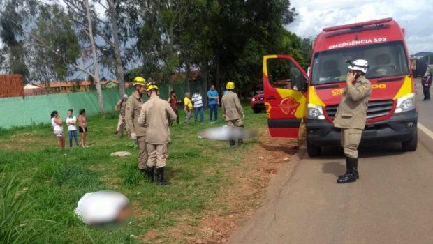 Acidente entre moto e carro termina com morte de casal na GO-060, em Trindade