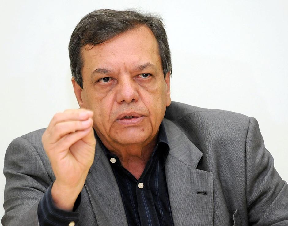 Justiça bloqueia quase R$ 1 milhão em bens do ex-secretário de Saúde