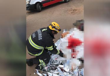 Homem morre após cair embaixo de ônibus de turismo, em Caldas Novas