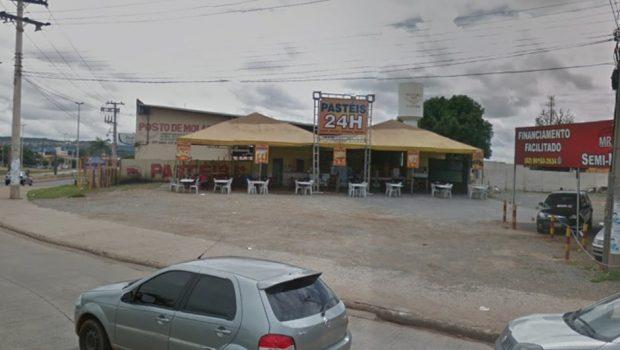 Homem é morto a tiros durante briga em bar, em Goiânia