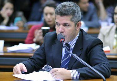 Nem o PSL está convencido da reforma da Previdência, diz líder do partido