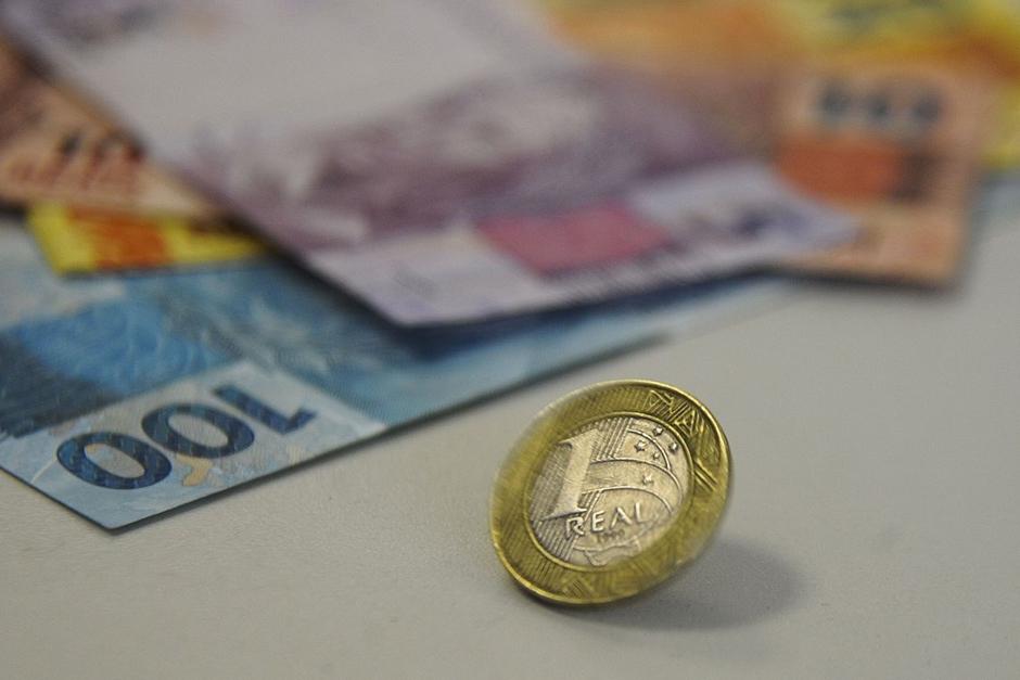 Com economia fraca, governo bloqueia R$ 29,7 bilhões em gastos
