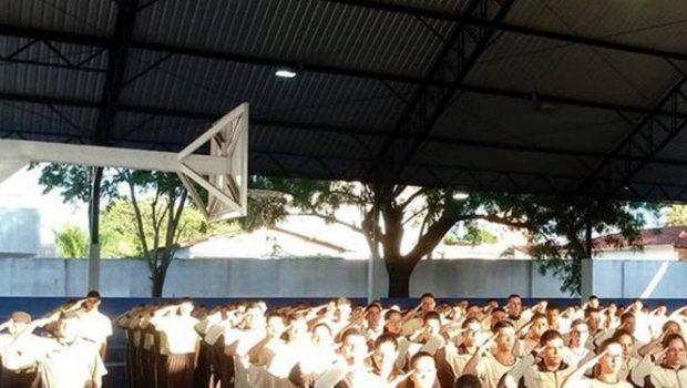Professor é afastado após criticar diretor por ler carta do MEC com slogan de Bolsonaro