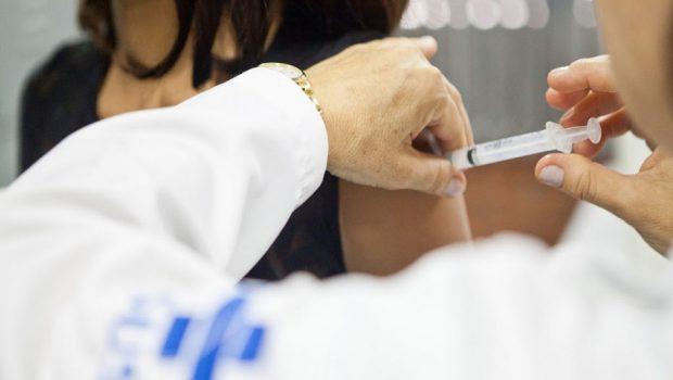 Vacinação contra gripe inclui professores e forças de segurança