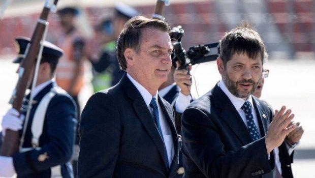 No Chile, Bolsonaro compara as duas ditaduras e diz que não houve golpe no Brasil