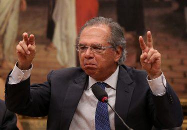 Eu não sei nem do que vocês estão falando, diz Guedes sobre intervenção na Petrobras