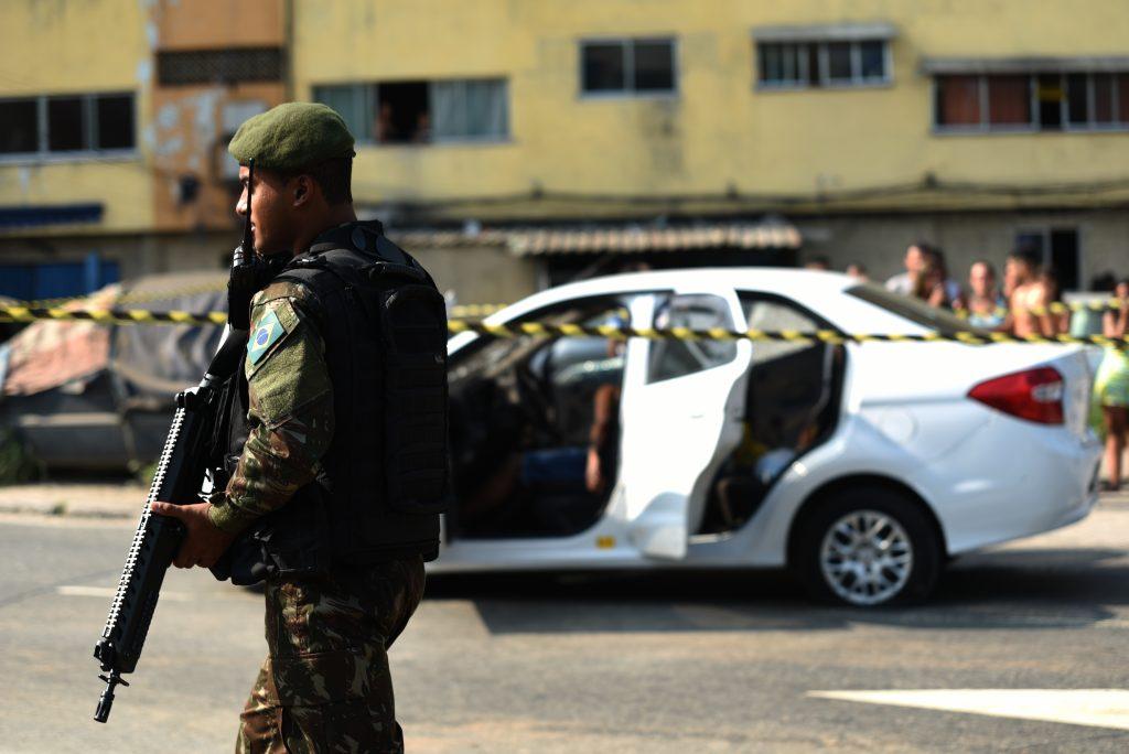 'Exército matou meu filho', diz mãe de catador morto por militares ao socorrer família