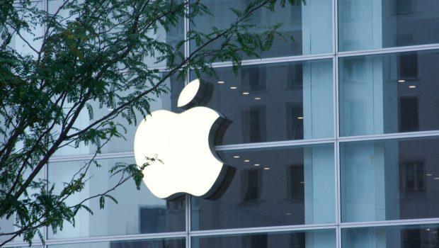 Estudante pede indenização de US$ 1 bi da Apple por erro em sistema de reconhecimento facial em loja
