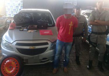 Polícia recupera carro de motorista de aplicativo roubado em Goiânia