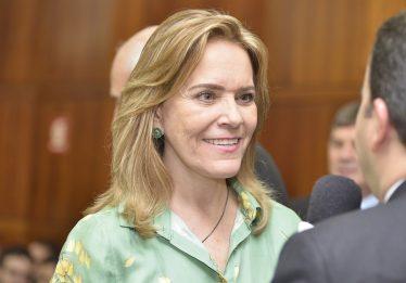 Deputada defende projeto que prevê prazo de 24 horas para planos de saúde liberar exames para idosos