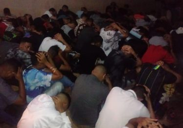 PM encerra festas com drogas, bebidas e público adolescente em Goiânia
