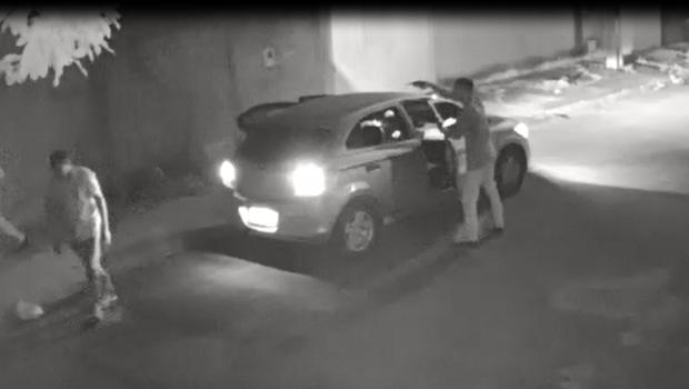 Motorista de aplicativo tem carro roubado no Parque Tremendão II, em Goiânia