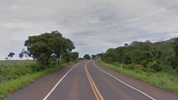 Acidente entre carro e moto deixa um morto na BR-364, em Mineiros