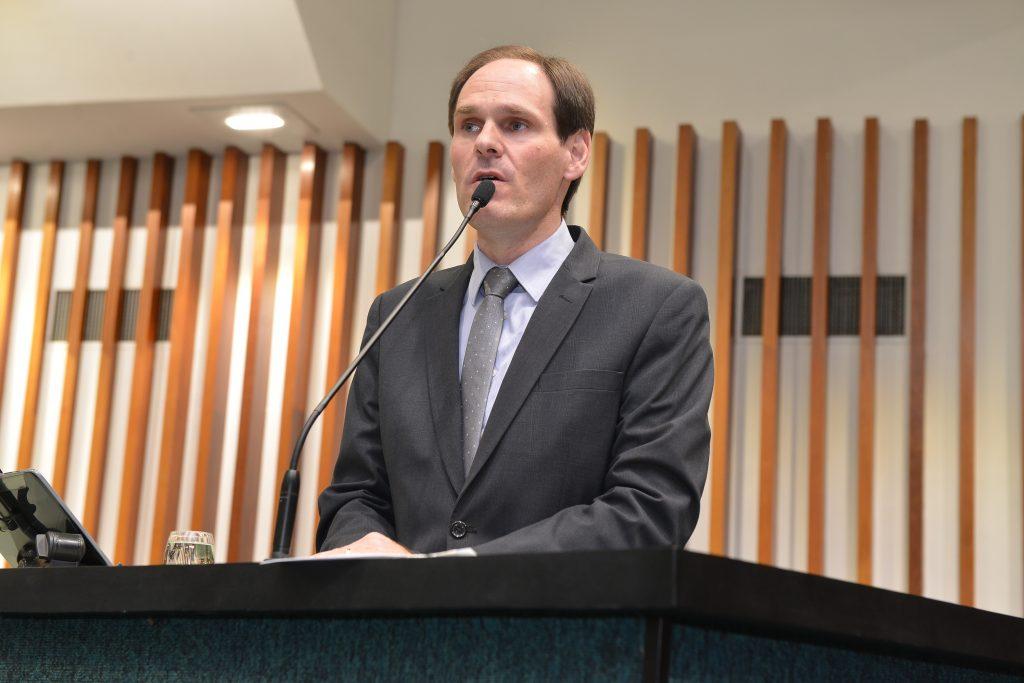 Justiça bloqueia R$ 1,2 milhão em bens do presidente da Assembleia Legislativa