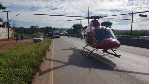 Homem fica ferido após bater em traseira de caminhão na BR-153, em Goiânia