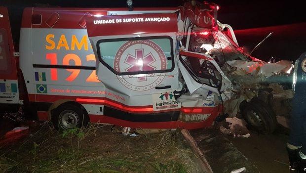 Quatro pessoas ficam gravemente feridas em acidente na BR-060, em Cezarina