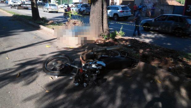 Motociclista morre e duas pessoas ficam feridas após atropelamento, na Vila Mauá
