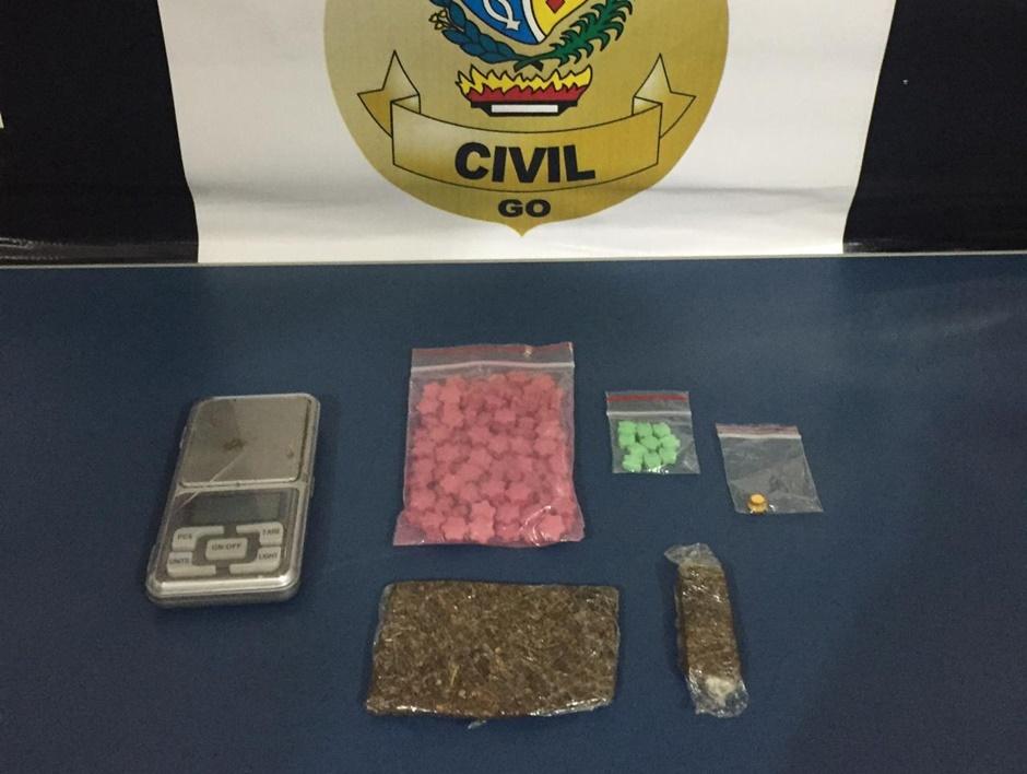 Jovem é preso com mais de 100 comprimidos de ecstasy, em Goiatuba