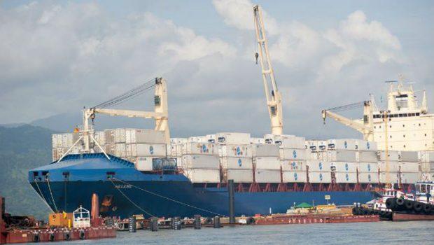 Balança comercial tem superávit de US$ 4,99 bilhões em março