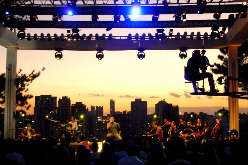 Mr. Gyn revive o primeiro DVD da banda com show em Goiânia