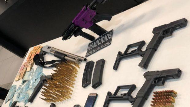 Motoboy é preso com armas que teriam sido usadas em 50 homicídios em Goiânia