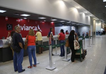 Preço de passagem aérea sobe com crise da Avianca Brasil