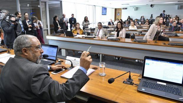 Comissão do Senado aprova projeto que obriga presos a pagarem por suas despesas