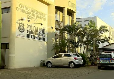 Suspeito de assaltar ônibus coletivo é atropelado e preso, em Aparecida de Goiânia