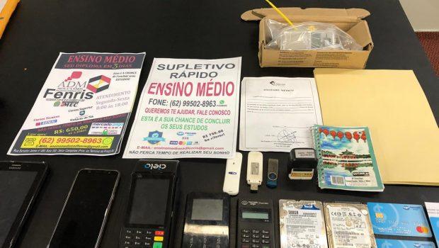 Traficante é preso por vender diplomas falsos pela Internet