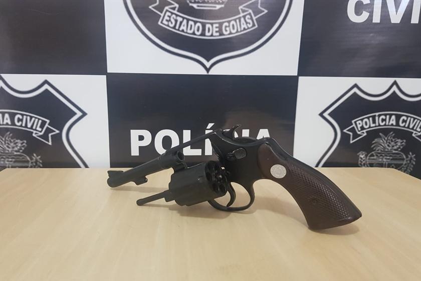 Arma utilizada no crime em Valparaíso (Foto: Reprodução/Polícia Civil)