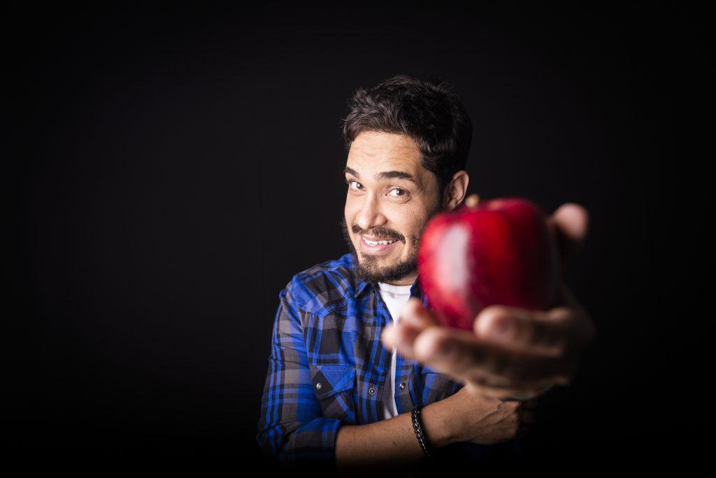 Diogo Almeida apresenta 'Vida de Professor' no Teatro São Francisco