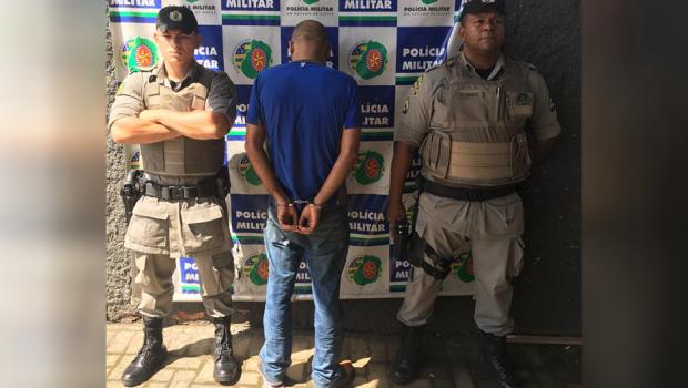 Homem é preso após tentar matar sobrinho a facadas, em Goiânia