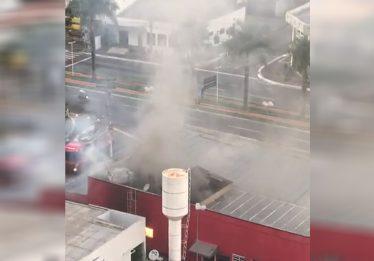 Incêndio atinge antigo prédio do Habib's na Avenida T-63, em Goiânia