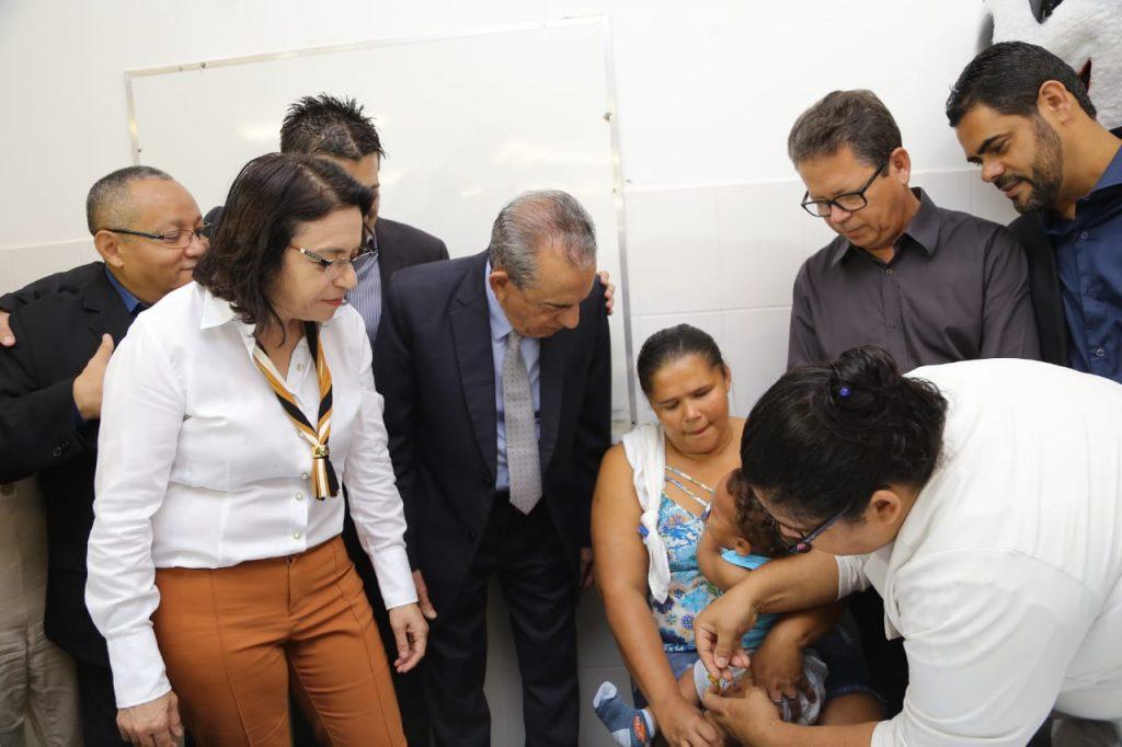 Prefeitura disponibiliza dois postos de vacinação contra gripe durante feriado