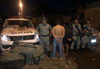 Casal é preso com tênis falsificados, munições e por tentativa de suborno a policiais, em Goiânia