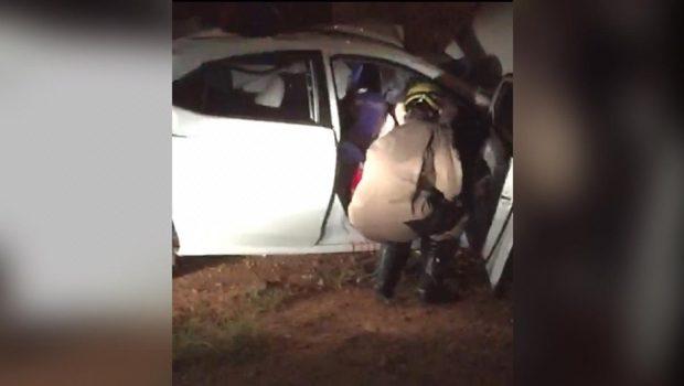 Homem morre após bater carro em muro de estabelecimento em Itaberaí