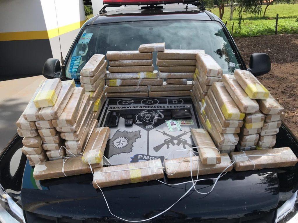 PM desarticula associação criminosa e apreende 60 kg de maconha, em Perolândia