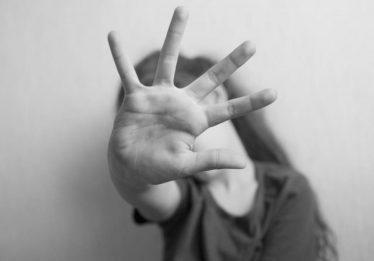 Homem de 60 anos é condenado por tentar estuprar criança em condomínio de luxo, em Goiânia
