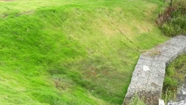 Barragem com risco de rompimento é vistoriada em fazenda de Caldazinha
